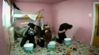 Headbangers Paint a Room with Their Hair