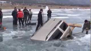 How to Pull a Car Out of a Frozen Lake in Russia